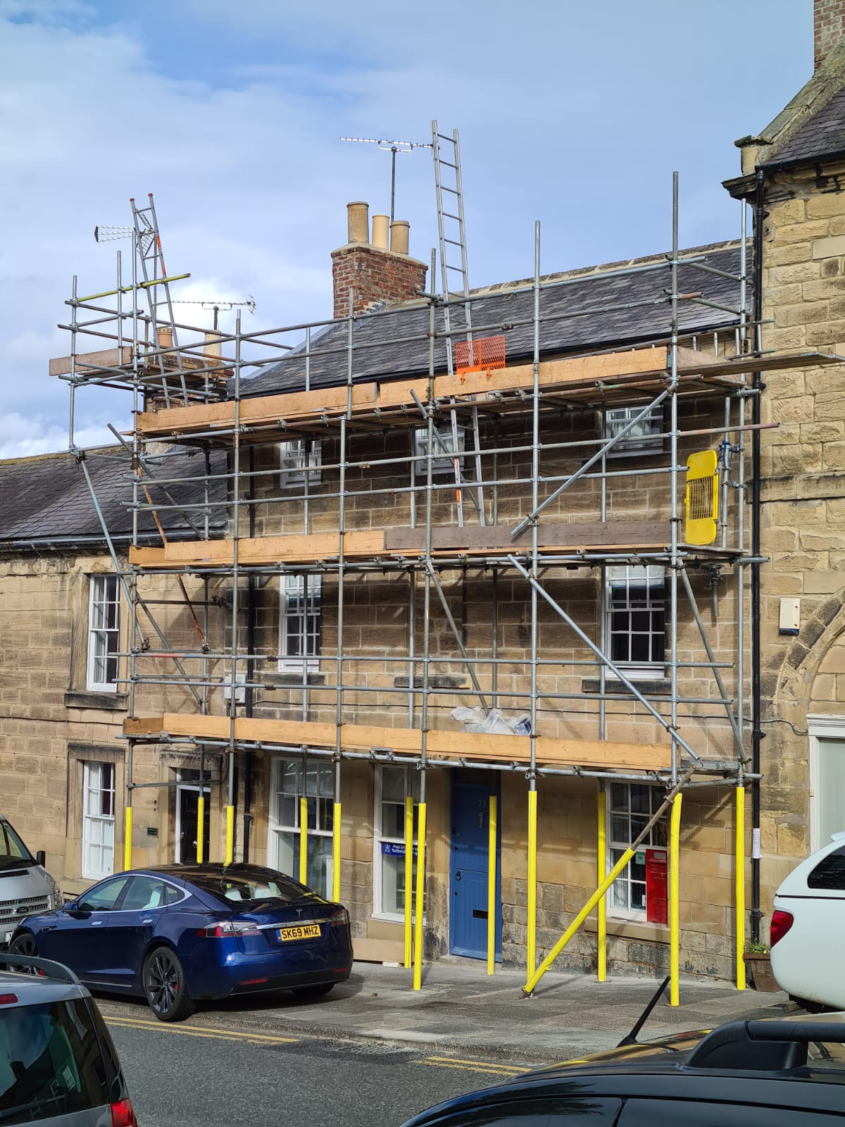 Walkworth Tied Scaffold with Chimney Stack Gable